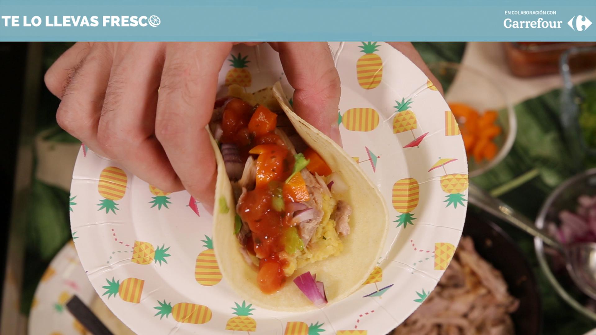 Haz tacos mexicanos con comida de aquí