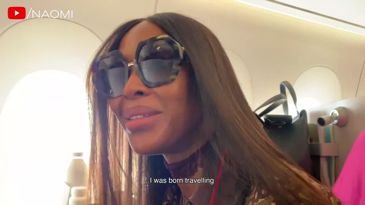 El ritual de excentricidades de Naomi Campbell cada vez que se sube a un avión