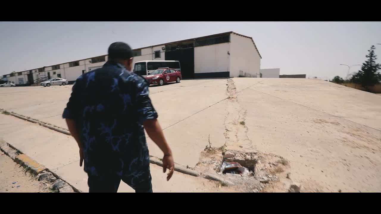 Assim viviam os refugiados em um centro de detenção na Líbia.